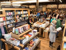 photos inside amazon u0027s brick and mortar bookstore business insider