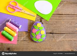 felt easter egg decor with flowers and leaves simple easter art