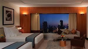 chambre d hotel dubai jumeirah emirates towers dubaï les plus beaux hôtels du monde