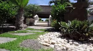 Obama Hawaii Vacation Home - inside the obama family u0027s hawaii vacation estate called hale reena