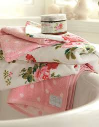 Vintage Bathroom Accessories Uk by 266 Best Shabby Chic Bath Images On Pinterest Shabby Chic