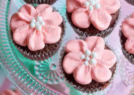Easy Icing Flowers - easy flower cupcakes