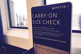 United Oversized Baggage Fees The New Thin Line Between Carry On And Checked Bags Wsj
