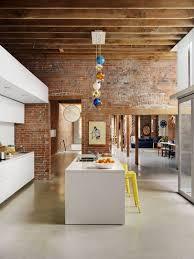 cuisine avec mur en cuisine avec îlot central 43 idées inspirations kitchens