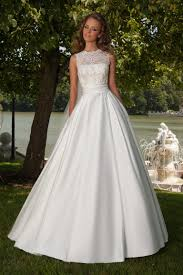 robe de mari e satin robe de mariée fluide silhouette a ligne oksana mukha