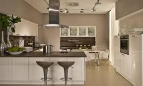 colour ideas for kitchen walls facing kitchen colours