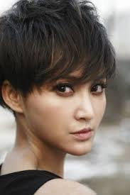 pixie haircut for strong faces the 25 best edgy pixie cuts ideas on pinterest short pixie cuts