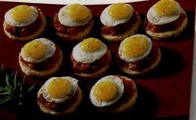 cailles sur canapé recette œufs de caille à cheval