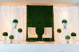wedding backdrop measurements boxwood backdrop the boxwood is made from artificial boxwood and