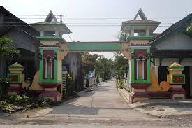 desain warna gapura foto gapura kecamatan undaan dikenal karena bentuknya yang unik