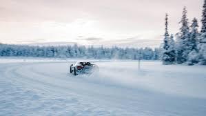 porsche snow ice cold driving pleasure