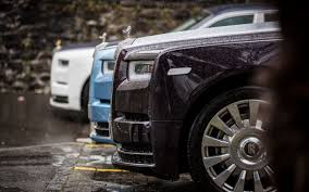 rolls royce sport 2017 in pictures we drive rolls royce u0027s über luxurious phantom viii