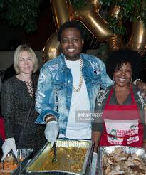 thanksgiving dinner los angeles thanksgiving with the kingstons photos and images getty images