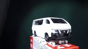 nissan van nv350 tomica no 105 nissan nv350 caravan youtube