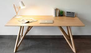 pied de bureau table design en chêne massif avec pieds croisés