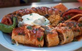 cuisine turque kebab beyti kebab grilled open flames and served with yogurt and