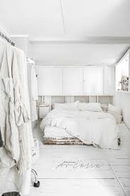 Black And White Bed Best 20 White Rustic Bedroom Ideas On Pinterest Rustic Wood