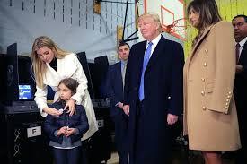 Hillary Clinton Hometown Ny by Hillary Clinton U0026 Donald Trump Vote In New York