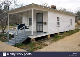 elvis presley birthplace in tupelo mississippi stock photo