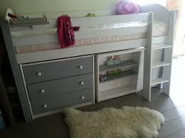 lit sur lev bureau lit enfant combine sur lev bois massif secret de chambre 17 combin
