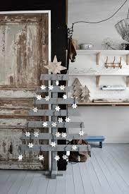 5 diy christmas tree ideas salvaged materials home