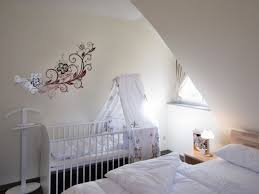 Schlafzimmer Einrichten Schlafzimmer Einrichten Mit Babybett Möbelideen Klassisch