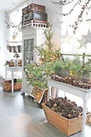 Christmas Decorated Homes Inside by Best 20 Natural Christmas Decorations Ideas On Pinterest