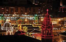 zona rosa tree lighting a guide to kansas city holiday events and attractions