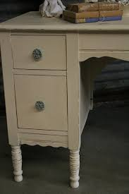 Chalk Paint Desk by 26 Best Desks And Tables Images On Pinterest Painted Furniture