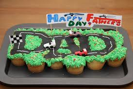 happy father u0027s day pull apart cupcake cake