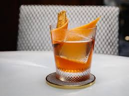 quintessential autumn cocktails to serve this holiday season