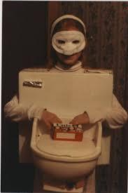 Toilet Halloween Costume 25 Crappy Halloween Costumes Holytaco