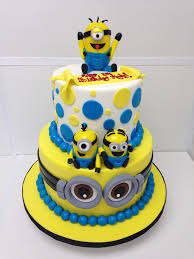 minions birthday cake despicable me minions two tier calling all minions