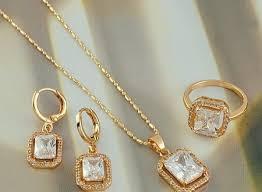 cercei de aur cadouri pretioase cu un voucher de 30 beneficiezi de 30
