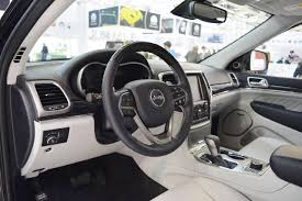 grey jeep grand cherokee interior 2017 jeep grand cherokee interior at 2016 bologna motor show