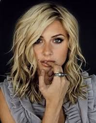 how to get beachy waves on shoulder lenght hair best 25 mid length hair with layers wavy ideas on pinterest