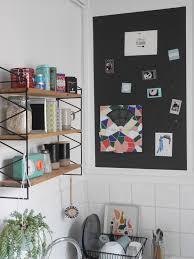 tableau magn騁ique pour cuisine un tableau magnétique avec le papier peint ferflex gimme shelter