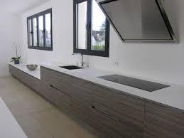 plan de travail design cuisine cuisine blanche et plan de travail bois cool cuisine blanche plan