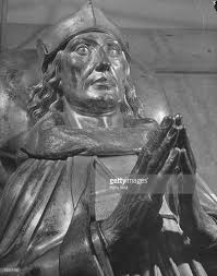 statue of king henry vii of superb bronze gilt to pictures
