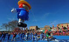 at the philadelphia thanksgiving day parade santa claus mrs claus