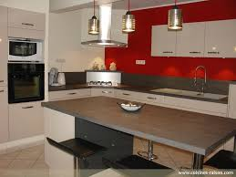 cuisines raison lovely cuisine en bois clair 5 cuisine en l stratifie fonce