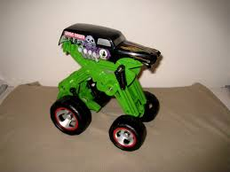 grave digger toy monster truck wheels monster jam grave digger pop up monster truck what u0027s