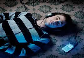 imagenes positivas tristes sabias que la música triste puede quitar la tristeza off topic