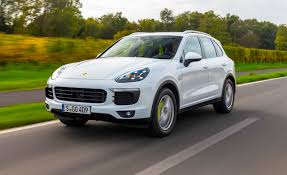 Porsche Cayenne Towing Capacity - 2015 porsche cayenne s e hybrid first drive u2013 review u2013 car and driver
