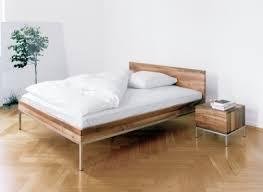 schlafzimmer naturholz naturholzmöbel fürs schlafzimmer bett team 7