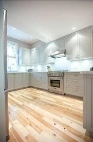 comment repeindre sa cuisine en bois comment renover une cuisine en bois 1 quelle couleur pour la cuisine