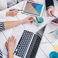 gadget bureau gratuit les gens d affaires avec des gadgets au bureau télécharger des