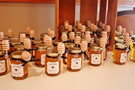 honey favors diy honey jar wedding favors wedding wednesday at cloverhill