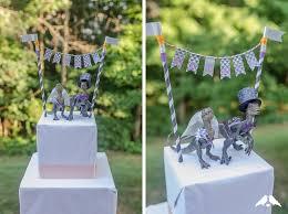 dinosaur wedding cake topper diy tutorial how to make a wedding appropriate dinosaur cake