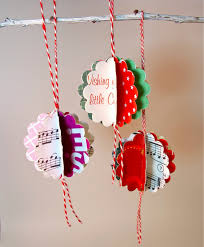 blukatkraft easy christmas crafts ornaments made with scalloped